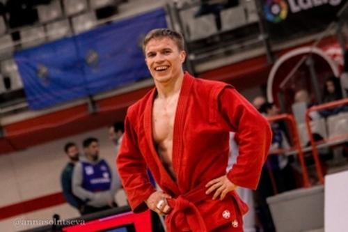 Он сам бог в самбо! Чемпионом Европы стал спортсмен из Увельского района