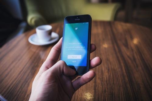 «Алло, полиция?» Некоторые южноуральцы бывают весьма охочи до средств связи – особенно чужих