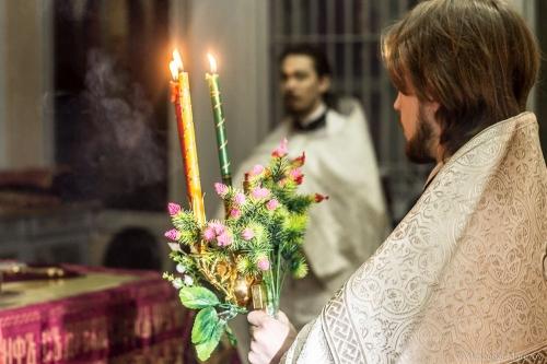 Чтобы Бог миловал. Верующим южноуральцам рекомендуют молиться дома