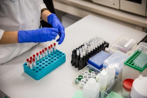Есть желающие? Южноуральцев бесплатно проверят на антитела к коронавирусу