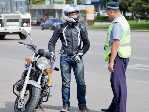 Лихачам на дороге не место. Южноуральских мотоциклистов возьмут на контроль